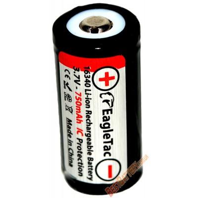 Литиевый аккумулятор Eagle Tac 16340 (rcr123A) ёмкостью 750 mAh с IC защитой.