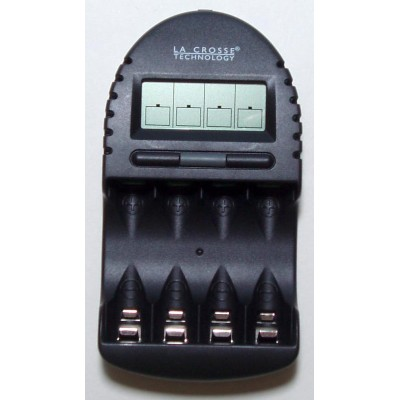 La-Crosse BC 500 - интеллектуальное автоматическое зарядное устройство для АА, ААА аккумуляторов.