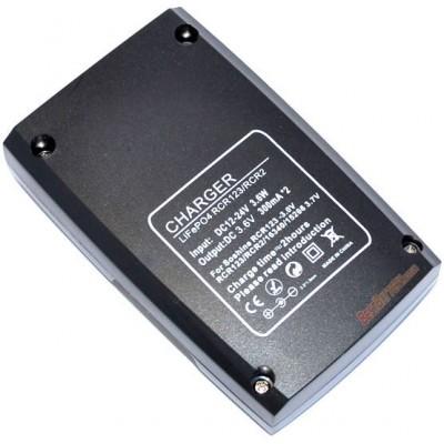 Зарядное устройство Soshine S5-Fe для 3,0В (3,2В) LiFePO4 аккумуляторов 16340 (RCR123), 17335, RCR2/15266.