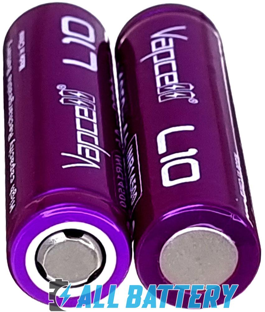 Аккумулятор 14500 Vapcell L10 1050 mAh имеет плоский плюсовой контакт.