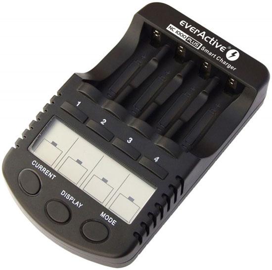 EverActive NC1000 Plus - интеллектуальное зарядное устройство для АА и ААА аккумуляторов.