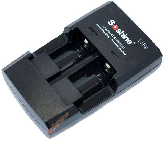 Зарядное устройство Soshine S5-Fe для 3,0V LiFePO4 аккумуляторов форматов 16340 (RCR123)